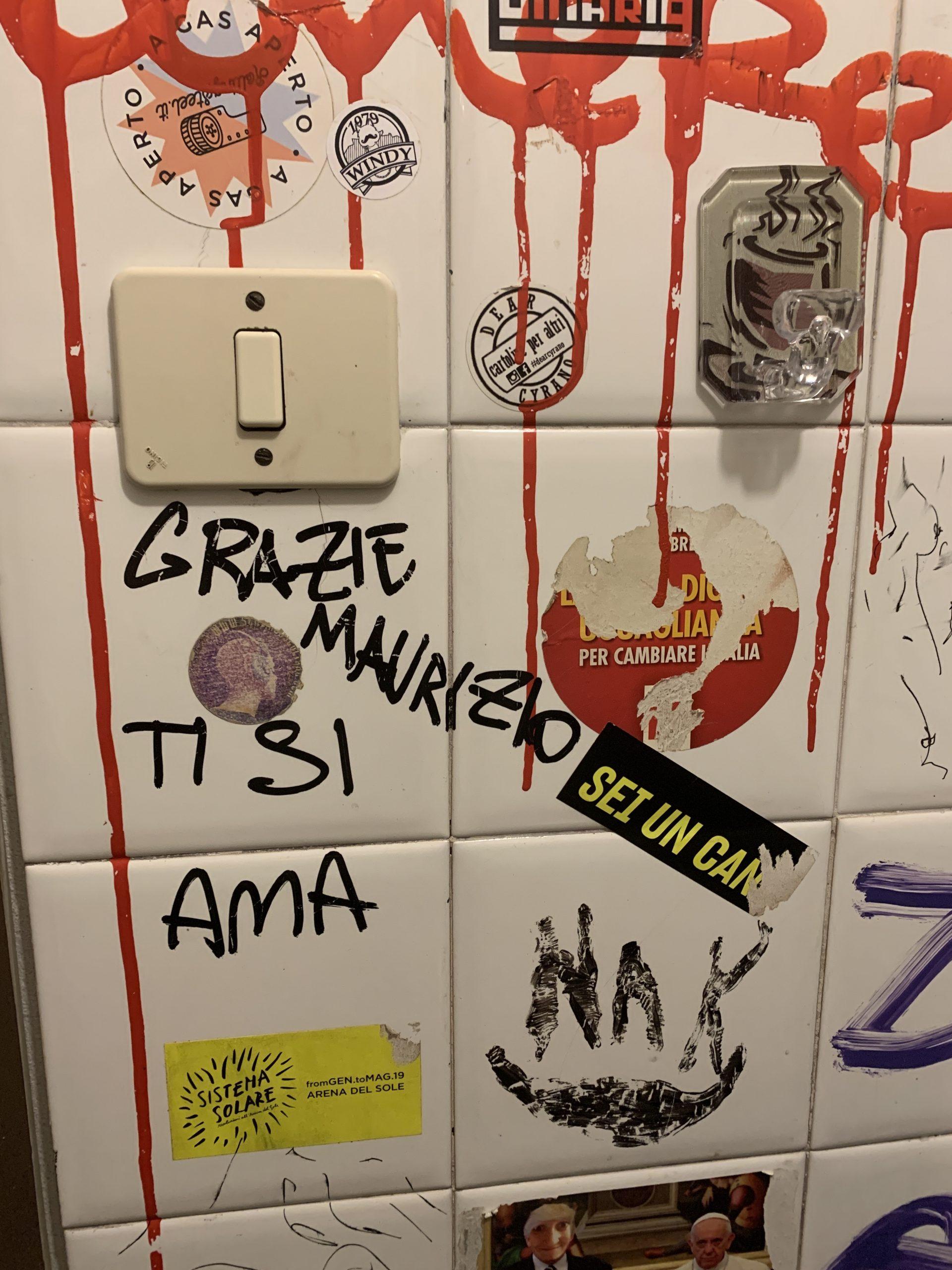 Meet Me In The Bathroom: il bagno del Bar Maurizio